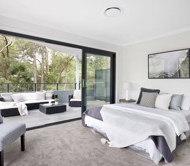 Wincrest_bedroom_balcony